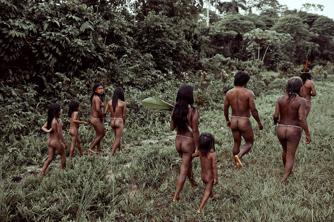 before-they-pass-away-vanishing-tribe-ecuador-huaorani-01