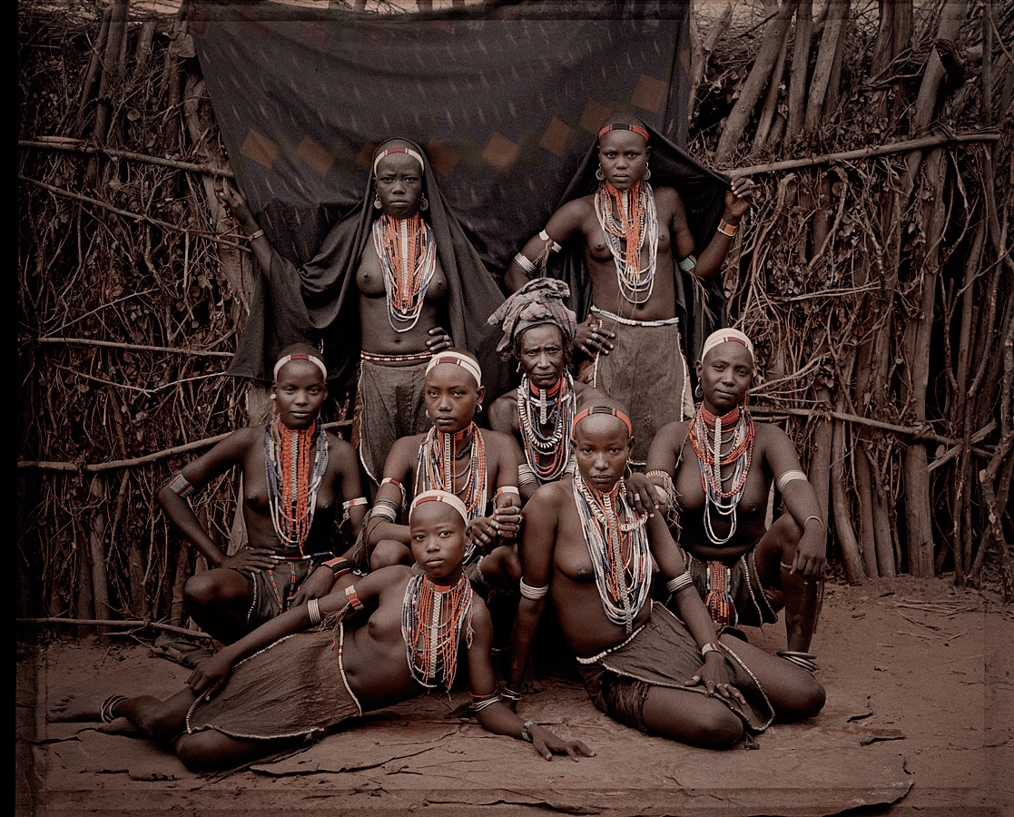 before-they-pass-away-vanishing-tribe-ethiopia-arbore-02