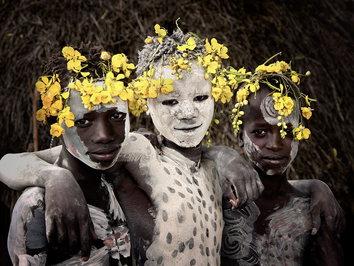 before-they-pass-away-vanishing-tribe-ethiopia-karo-02