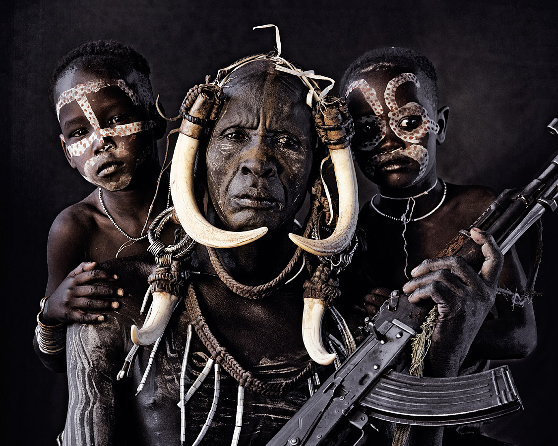 before-they-pass-away-vanishing-tribe-ethiopia-mursi-01
