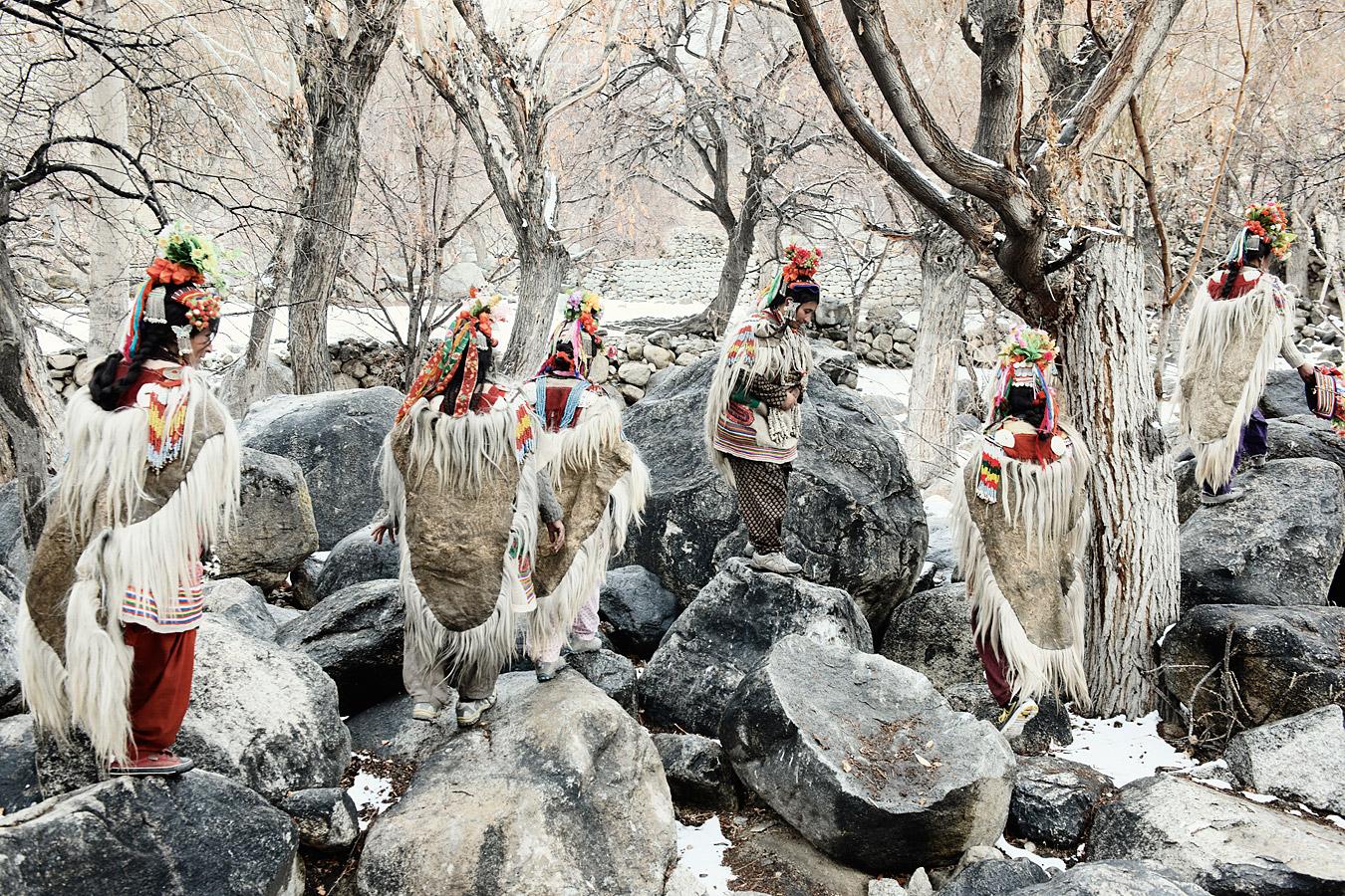 before-they-pass-away-vanishing-tribe-india-drokpa-01