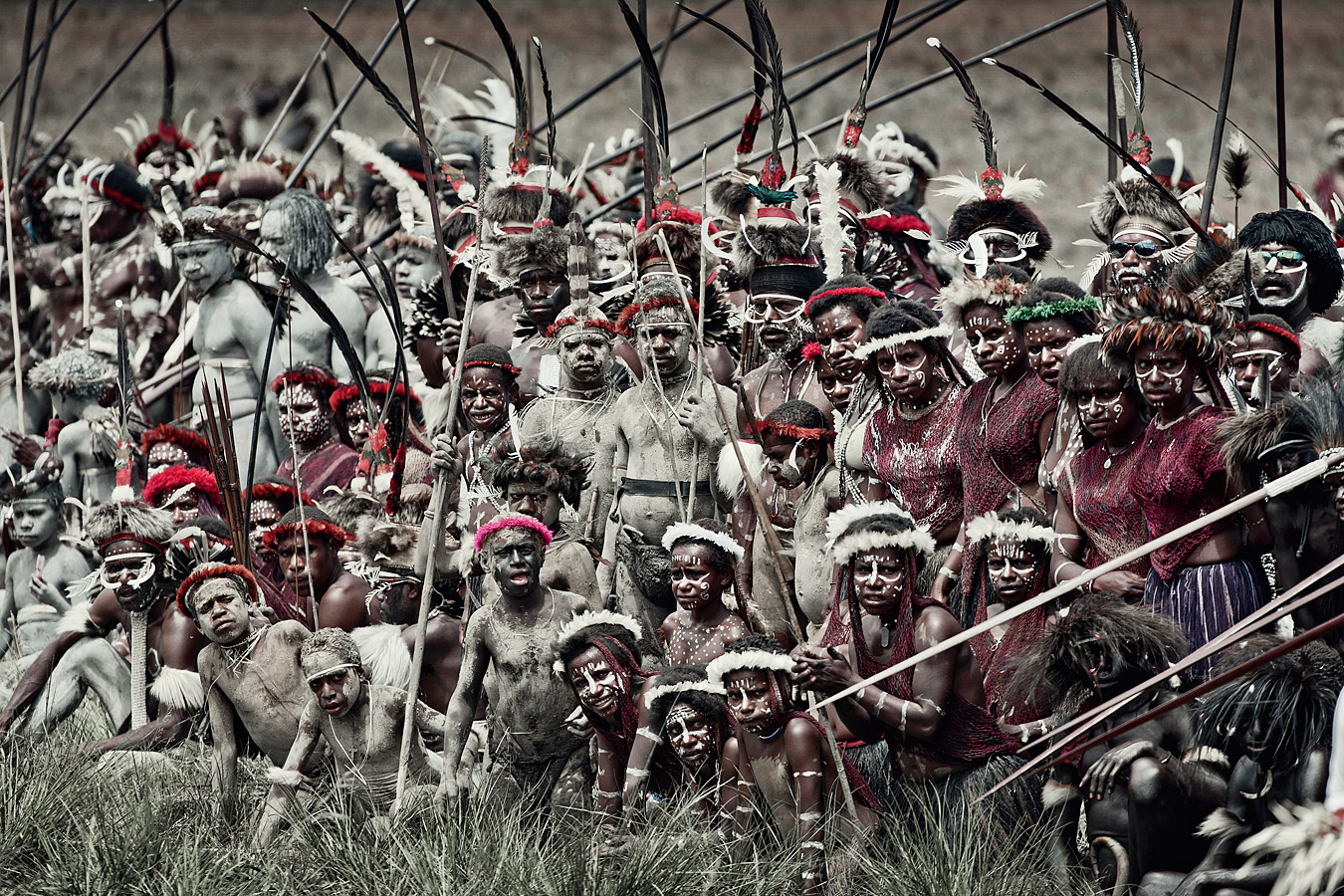 before-they-pass-away-vanishing-tribe-indonesia-dani-01