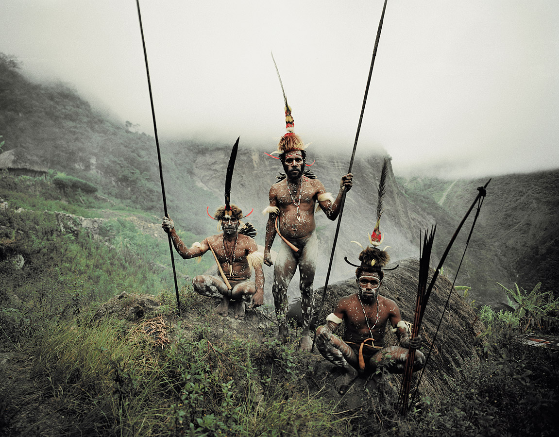before-they-pass-away-vanishing-tribe-indonesia-dani-03