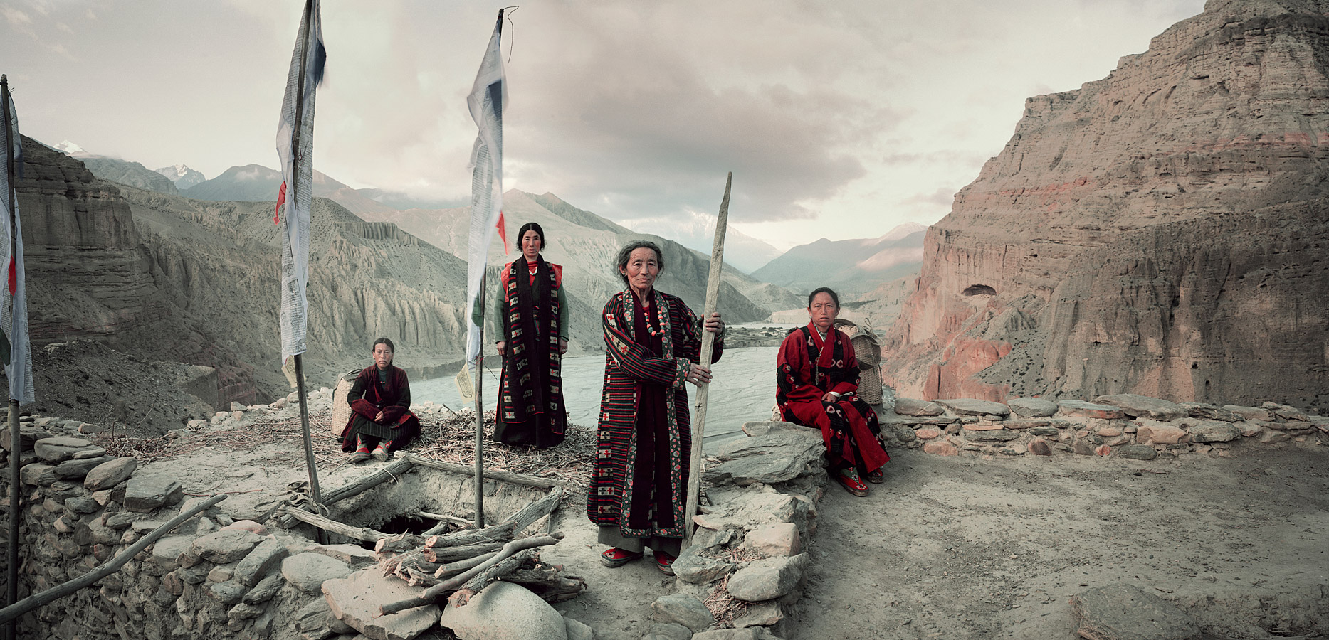 before-they-pass-away-vanishing-tribe-nepal-mustang-01