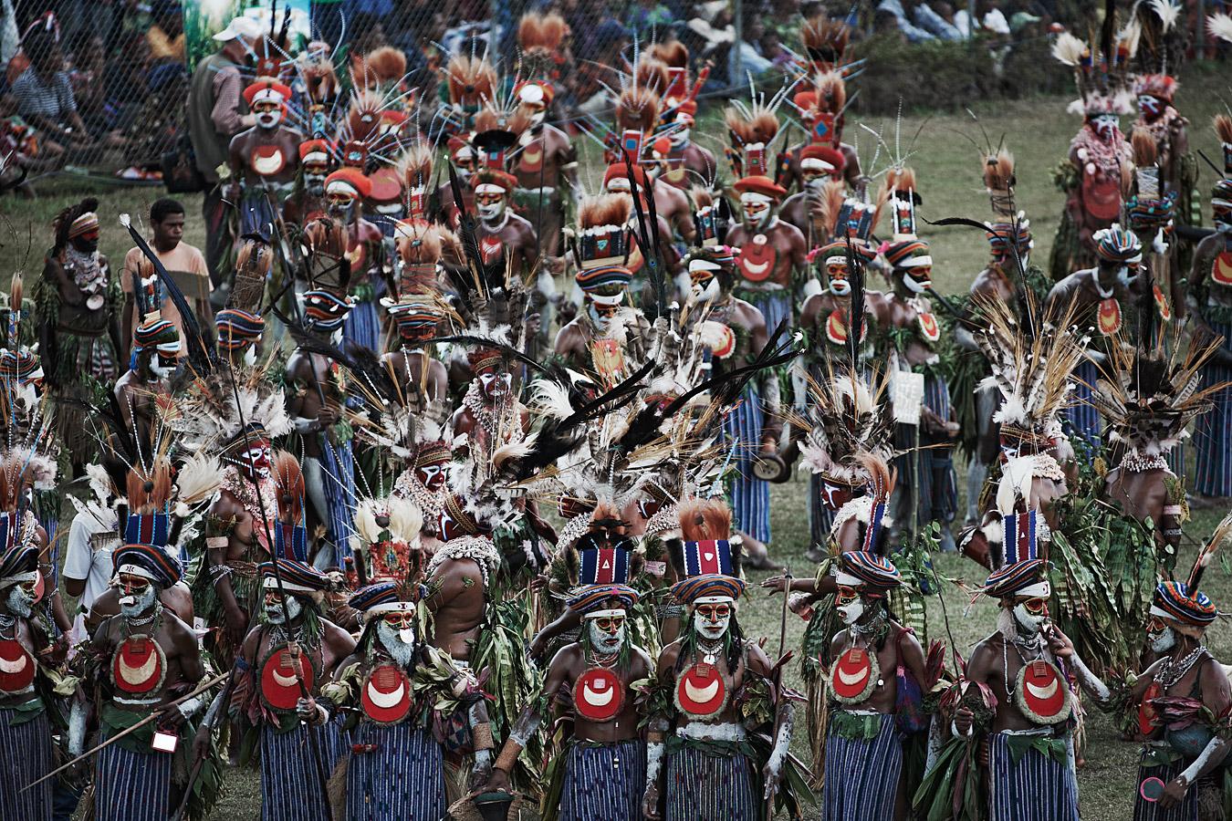 before-they-pass-away-vanishing-tribe-papua-new-guinea-goroka-02