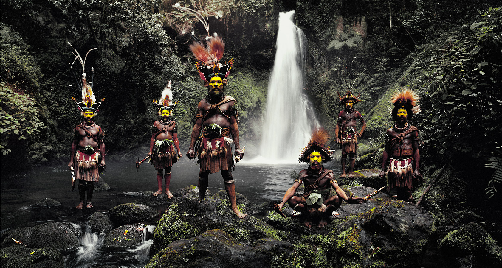 before-they-pass-away-vanishing-tribe-papua-new-guinea-huli-01