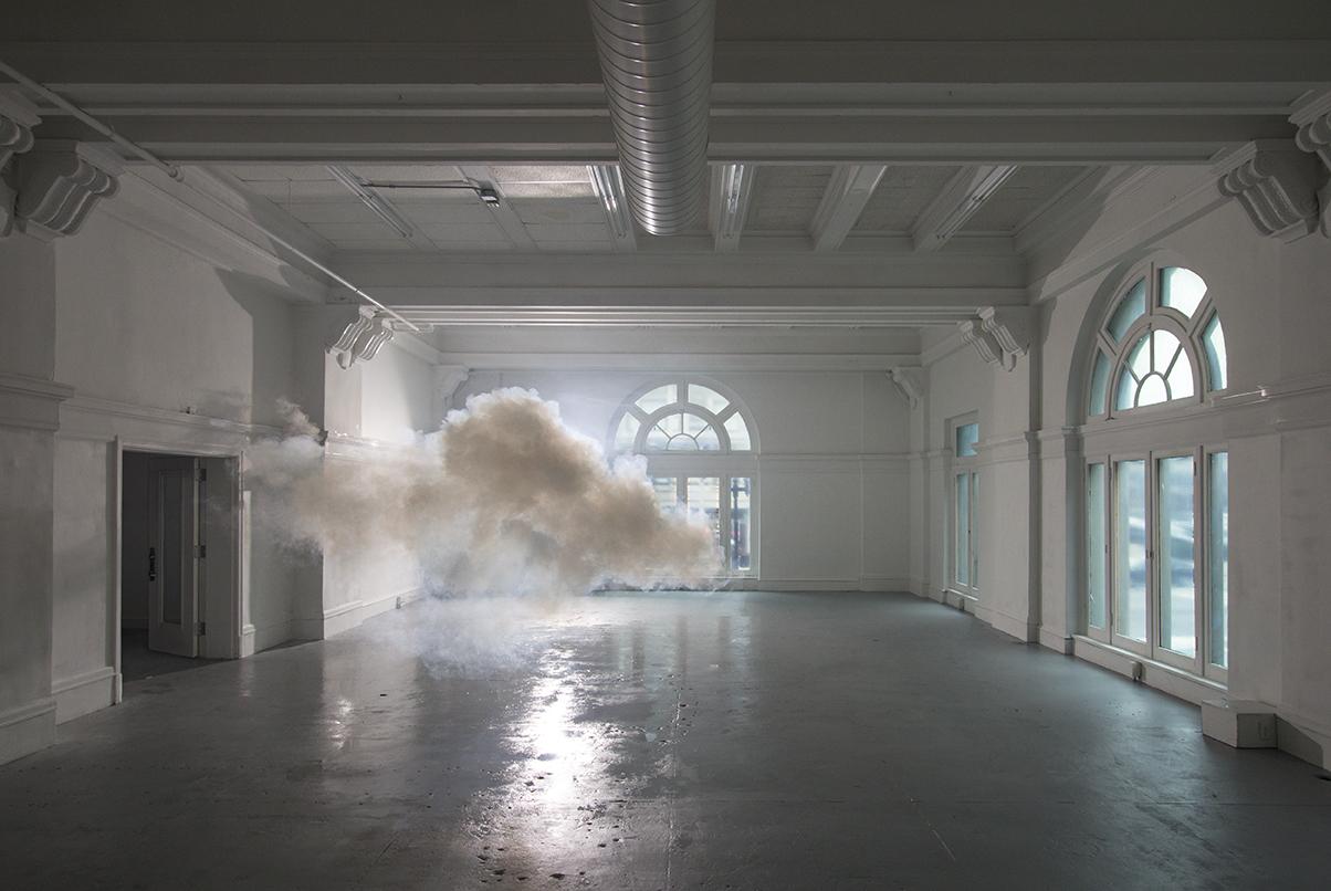 berndnaut-smilde-indoor-clouds-06