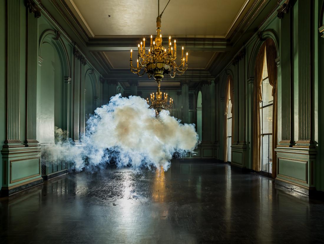 berndnaut-smilde-indoor-clouds-08
