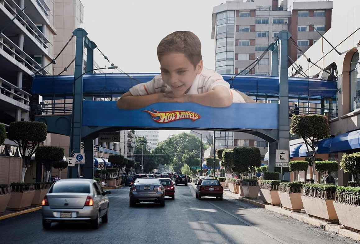creative-marketing-hot-wheels-bridge