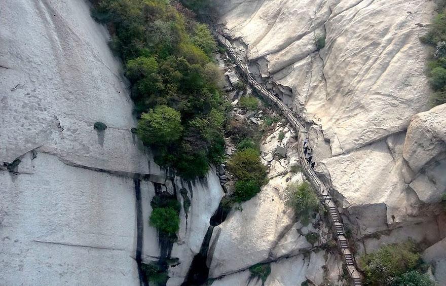 dangerous-hiking-trails-mt-huashan-china-08