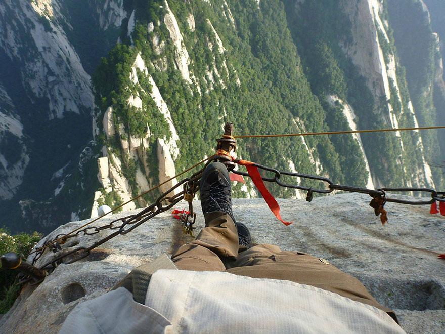 dangerous-hiking-trails-mt-huashan-china-10