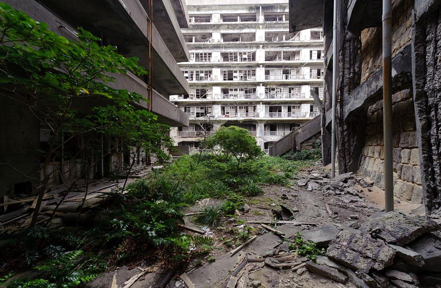 forgotten-places-kai-fagerstrom-hashima-island-japan-01