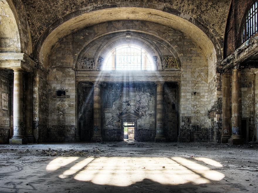forgotten-places-kai-fagerstrom-michigan-central-station-in-detroit-usa-01
