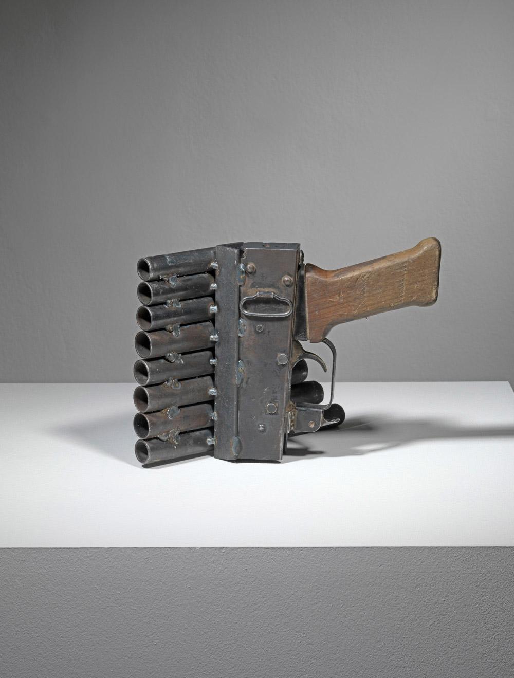pedro-reyes-imagine-guns-09