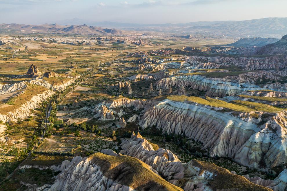 surreal-places-cappadocia-turkey