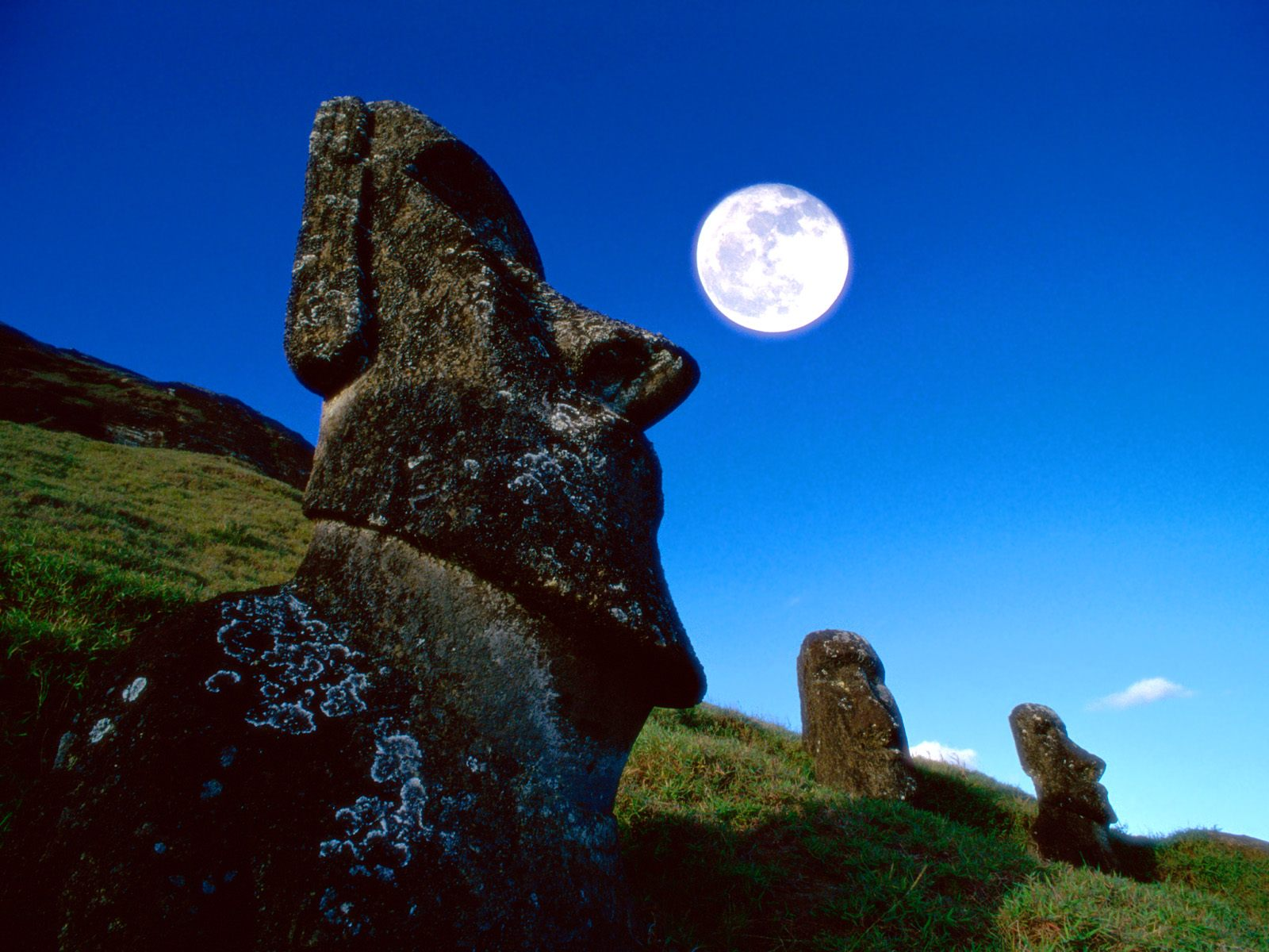 surreal-places-easter-island-chile