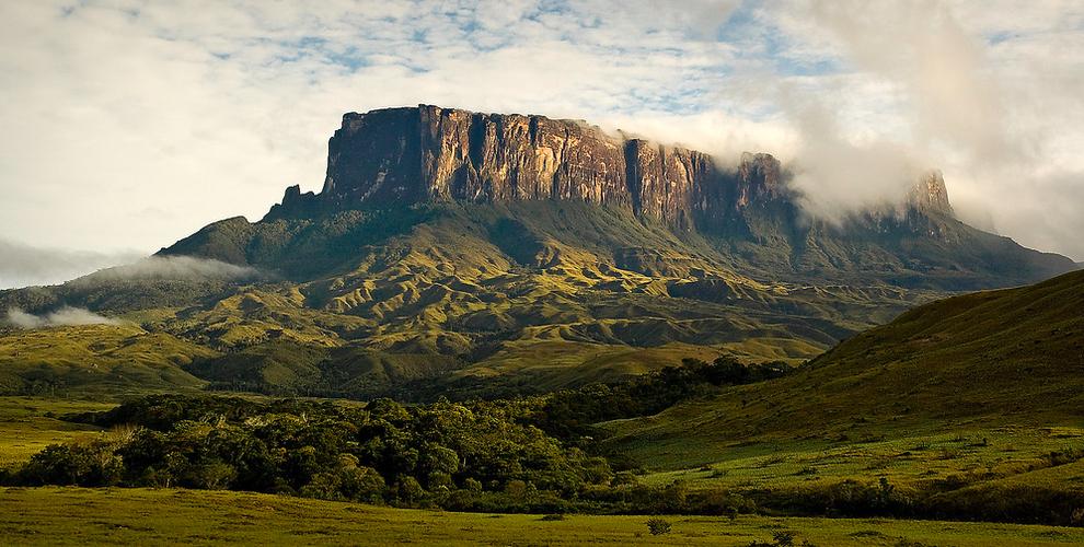 surreal-places-venezuela-brazil
