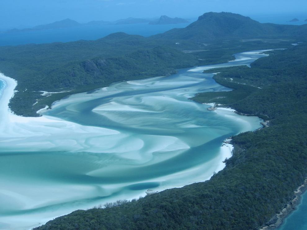 surreal-places-whitsunday-island-australia