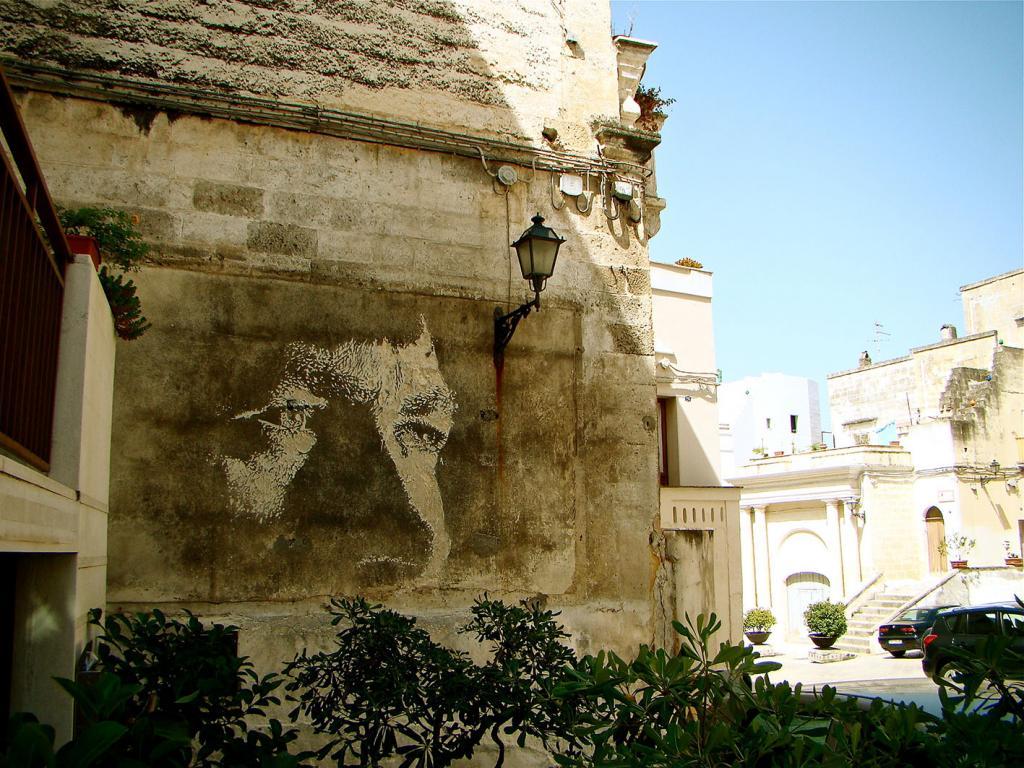 alexandre-farto-wall-murals-17