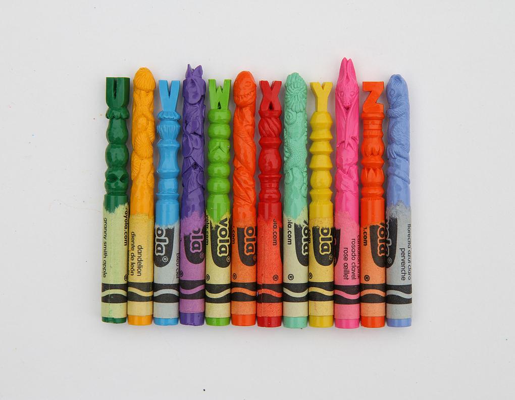 alphabet-crayons-diem-chua-08