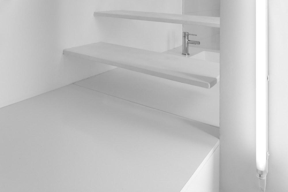 betillon-dorval-bory-studio-apartment-makeover-08