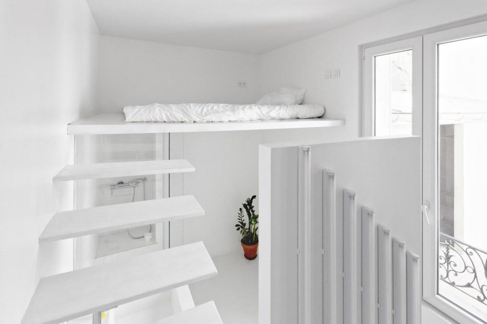 betillon-dorval-bory-studio-apartment-makeover-09