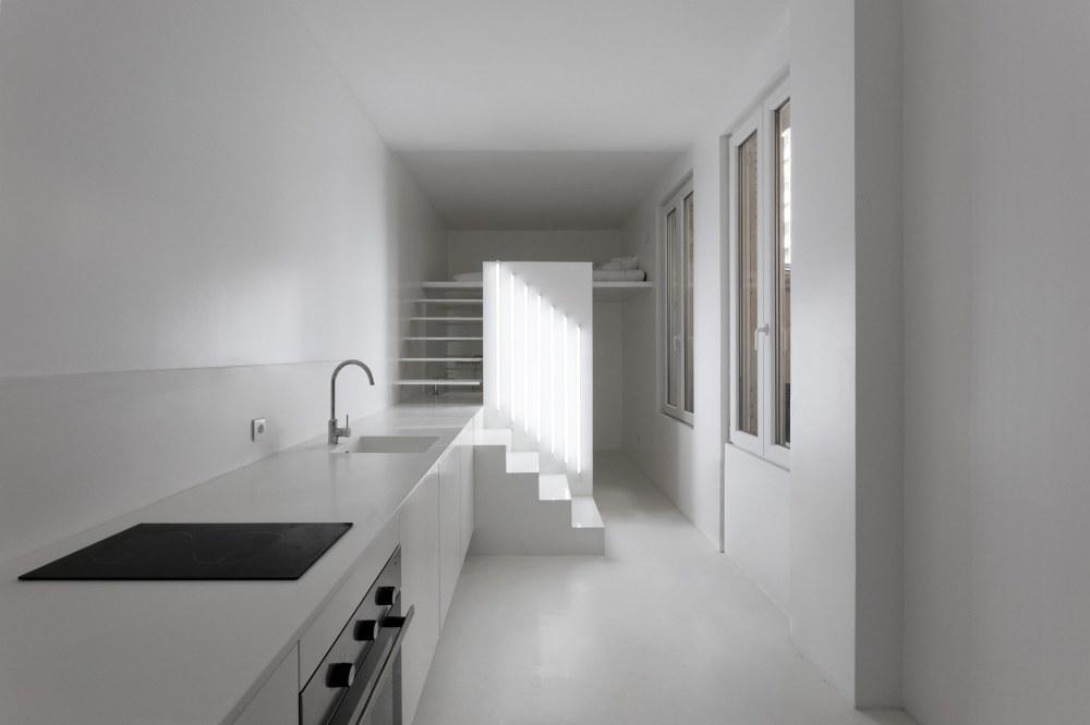 betillon-dorval-bory-studio-apartment-makeover-10