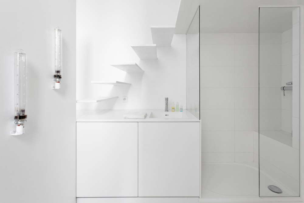 betillon-dorval-bory-studio-apartment-makeover-12
