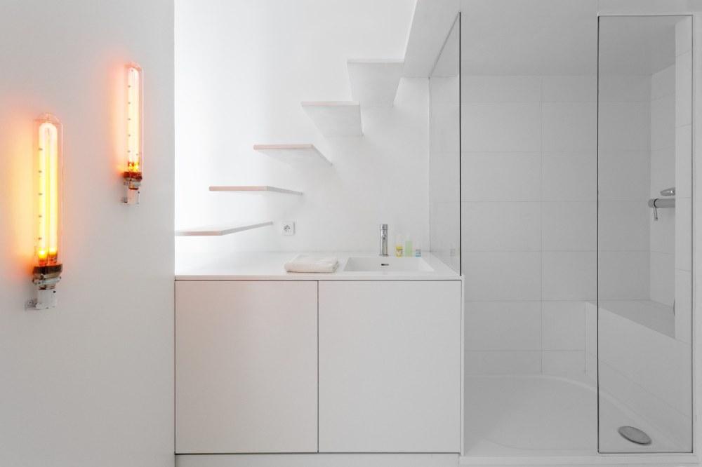 betillon-dorval-bory-studio-apartment-makeover-13