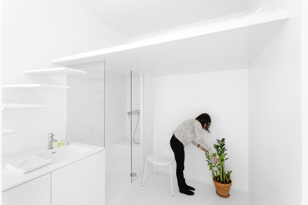 betillon-dorval-bory-studio-apartment-makeover-14