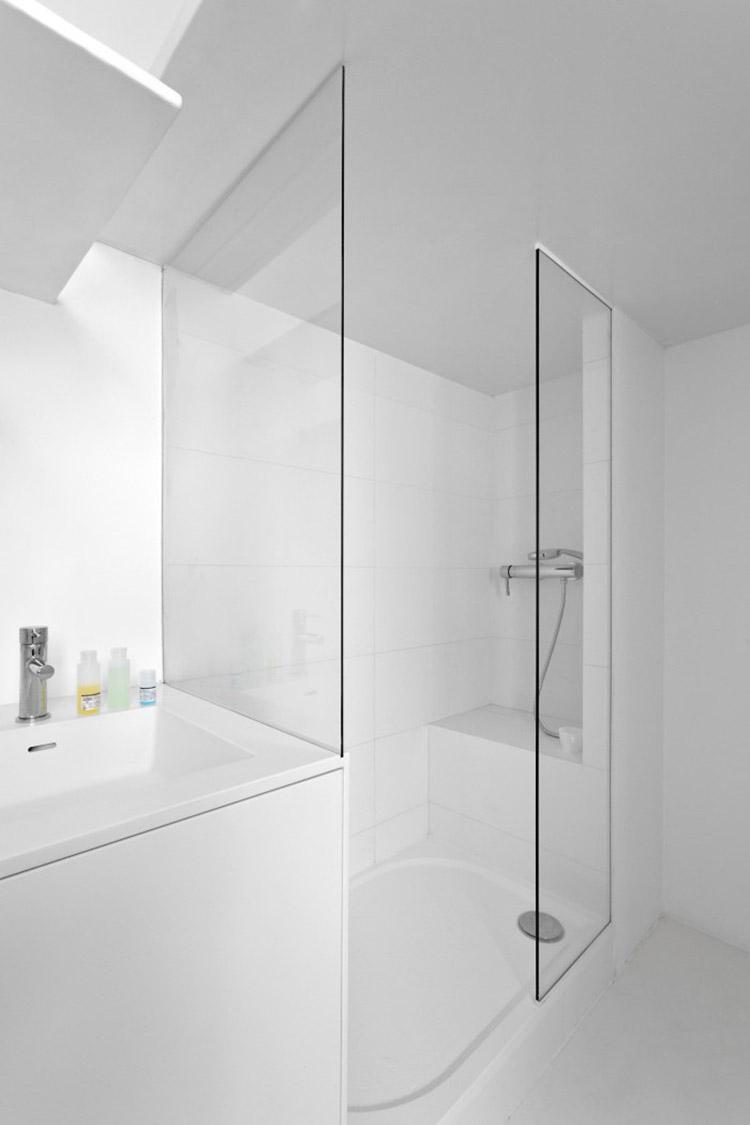 betillon-dorval-bory-studio-apartment-makeover-17