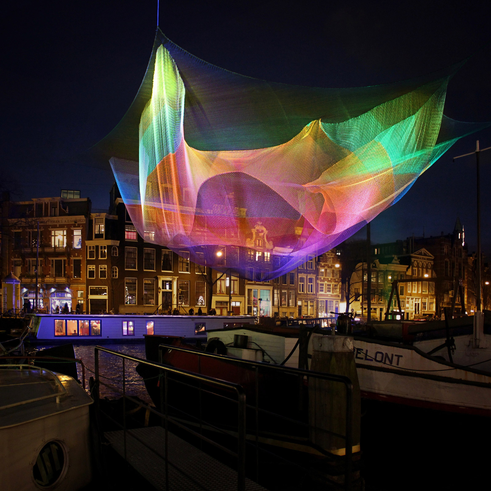 colorful-flying-nets-janet-echelman-05