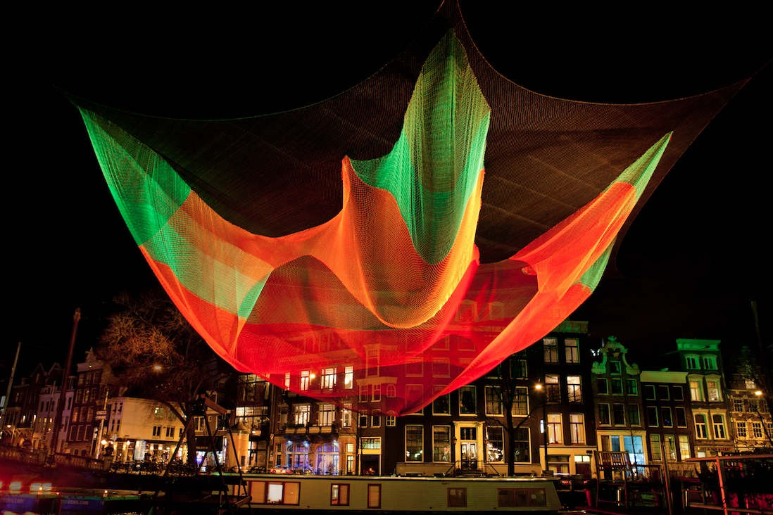 colorful-flying-nets-janet-echelman-11