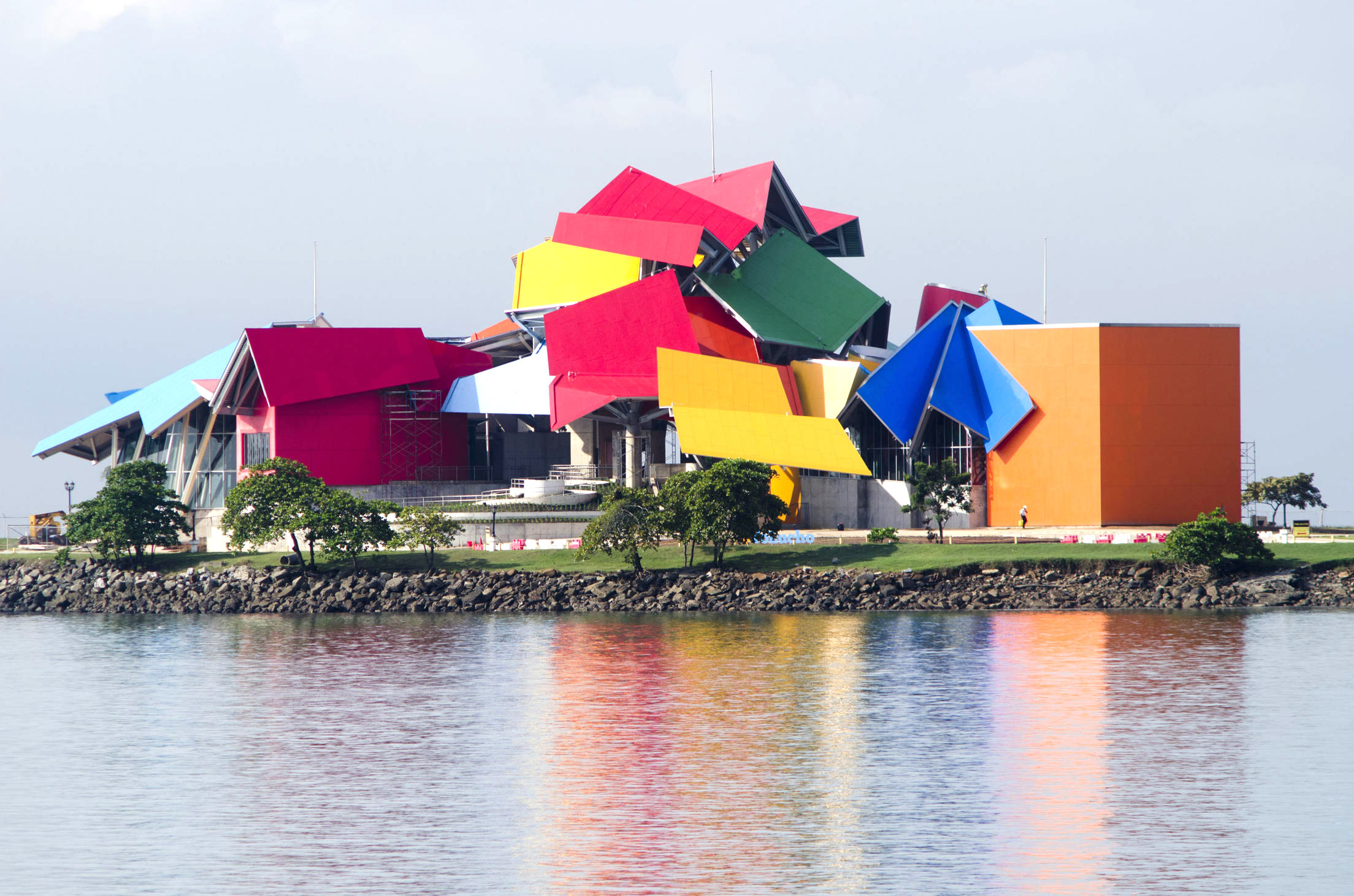 futuristic-attractions-biomuseo