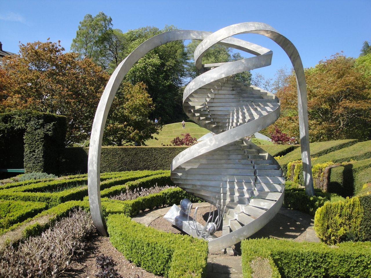 garden-of-cosmic-speculation-10