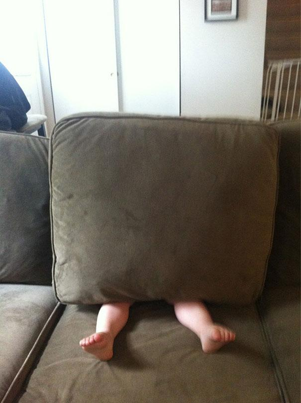 hide-and-seek-funny-kids-4