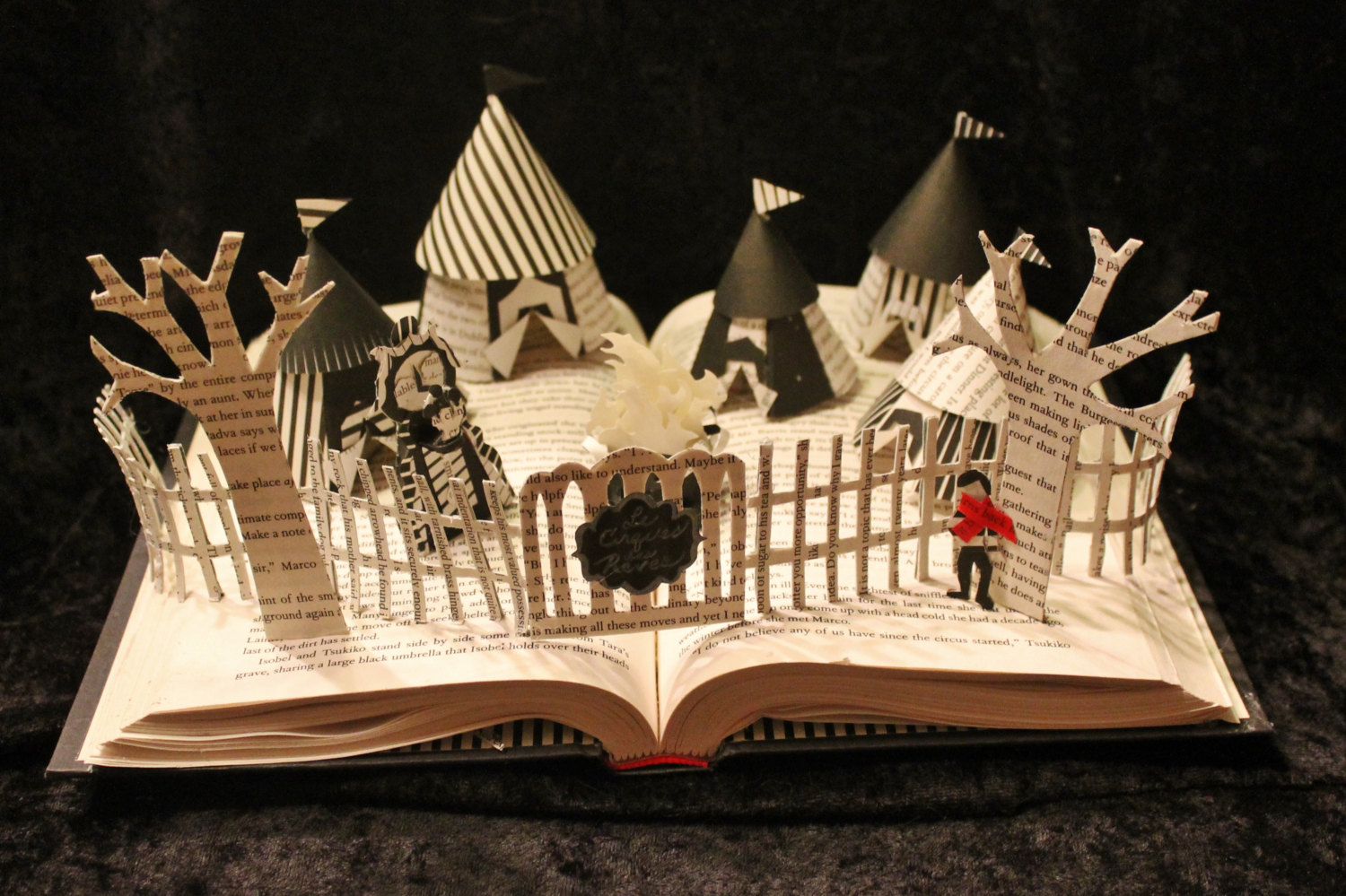 jodi-harvey-brown-book-sculptures-night-circus