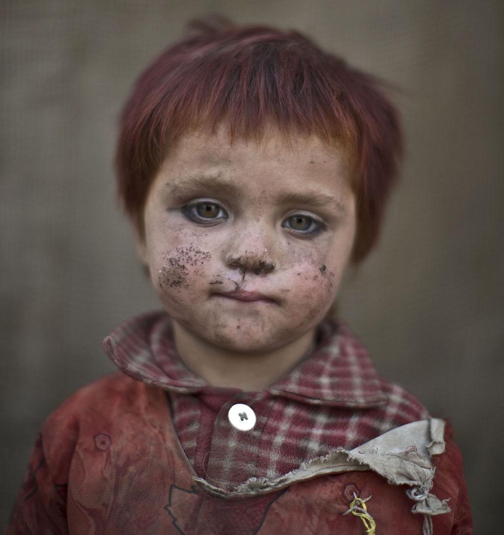 muhammed-muheisen-afghan-children-refugee-04