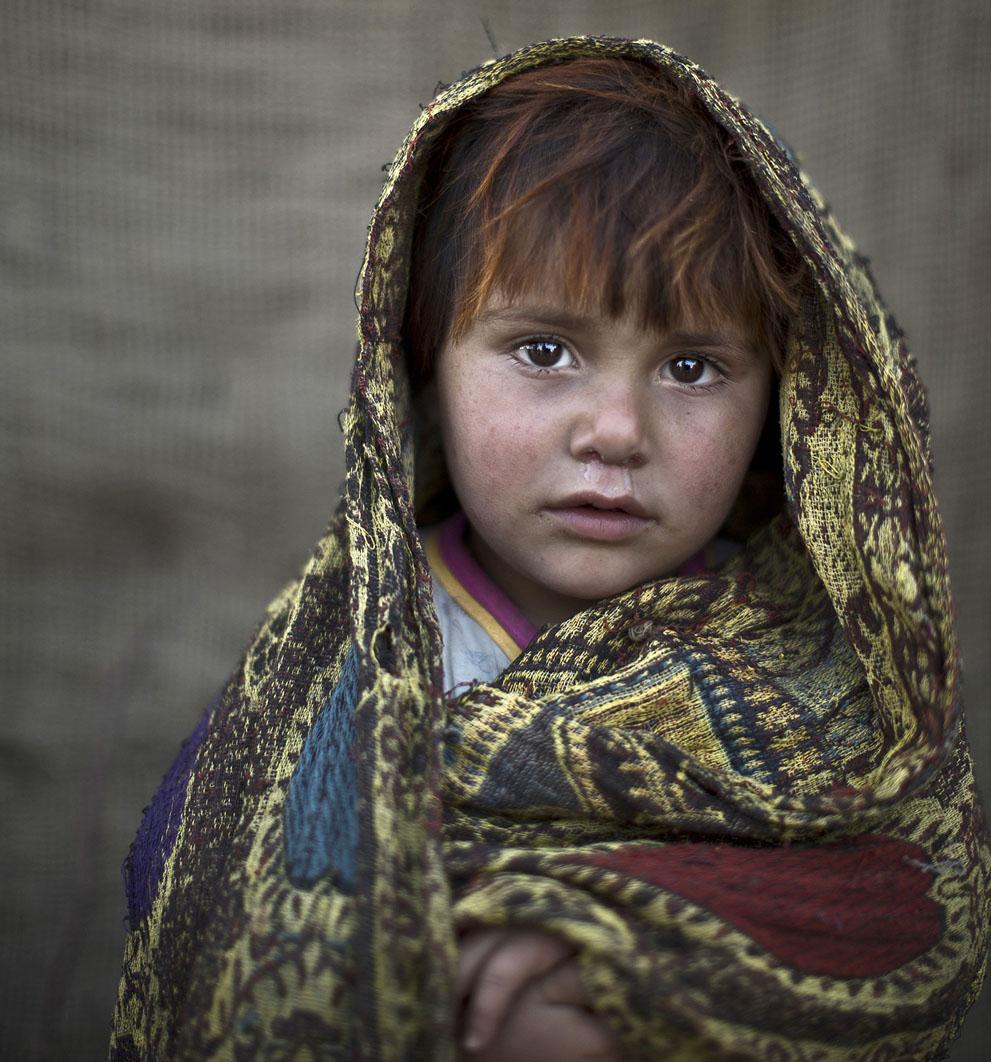 muhammed-muheisen-afghan-children-refugee-06
