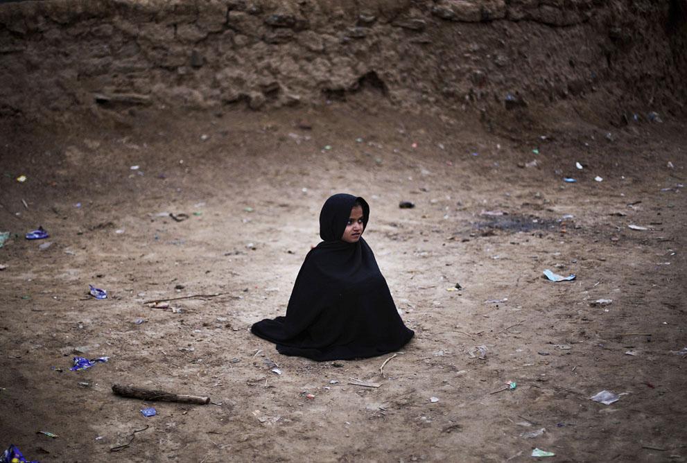 muhammed-muheisen-afghan-children-refugee-08