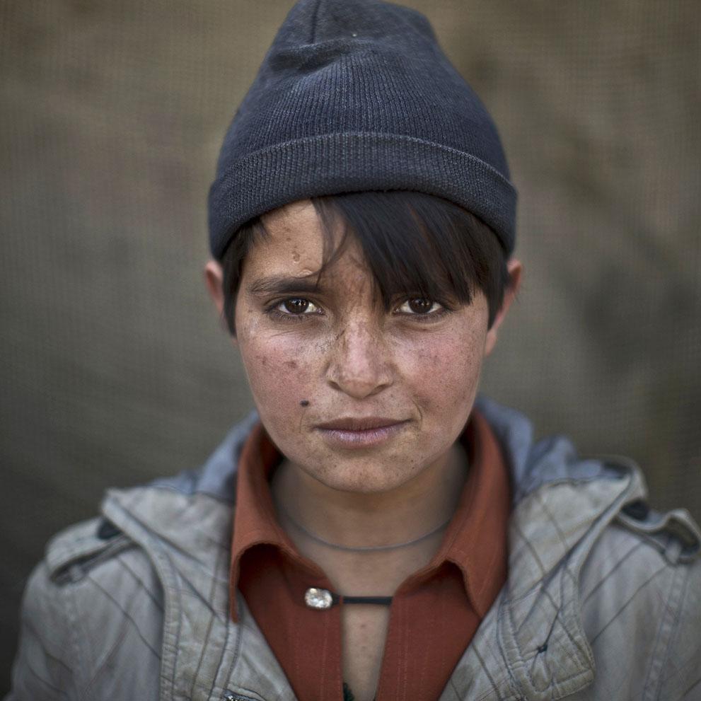 muhammed-muheisen-afghan-children-refugee-09