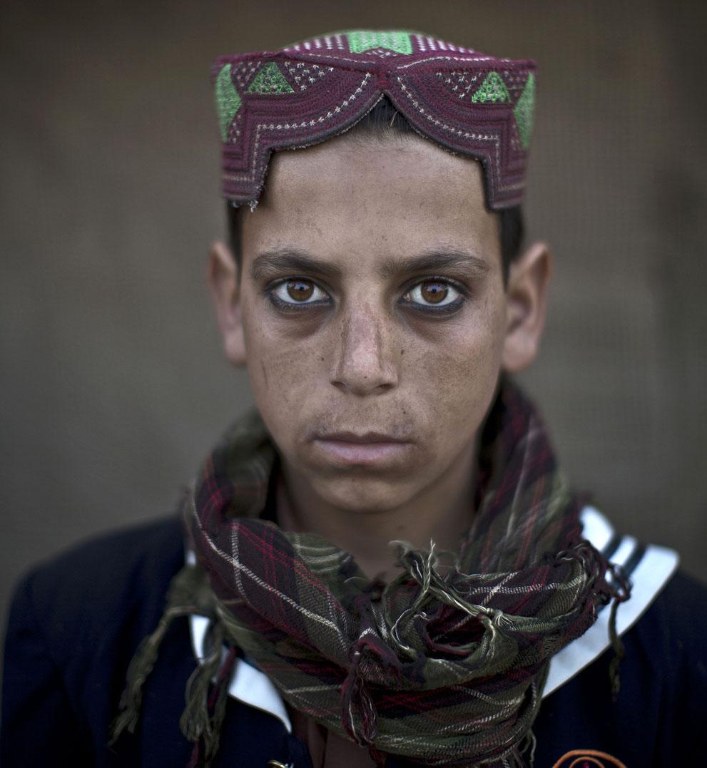 muhammed-muheisen-afghan-children-refugee-11