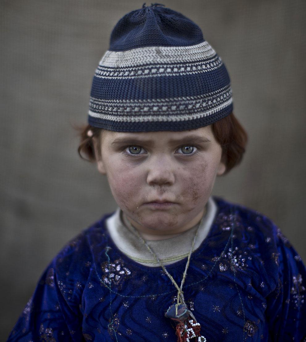 muhammed-muheisen-afghan-children-refugee-15