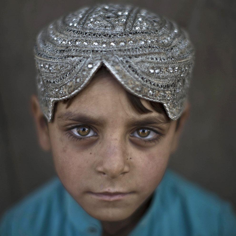 muhammed-muheisen-afghan-children-refugee-17