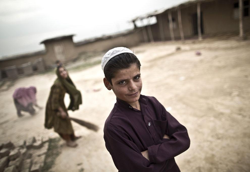 muhammed-muheisen-afghan-children-refugee-21