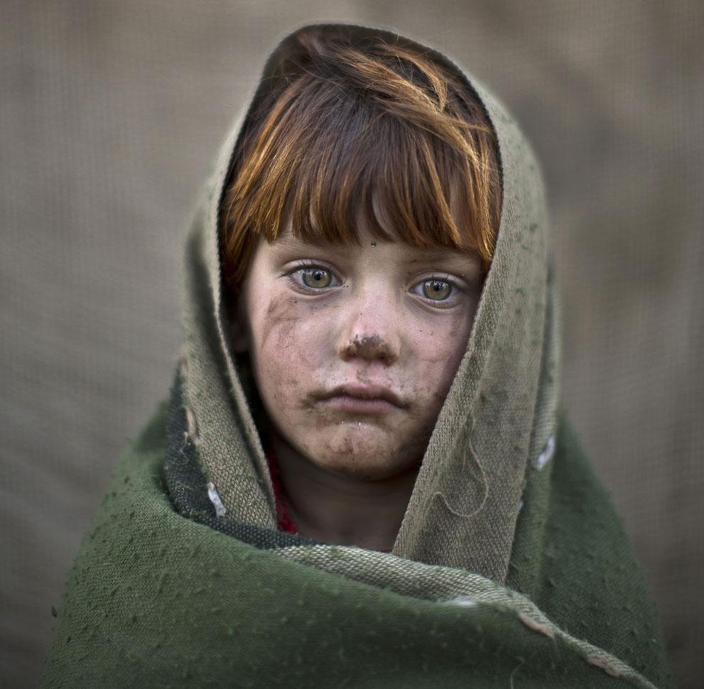 muhammed-muheisen-afghan-children-refugee-23