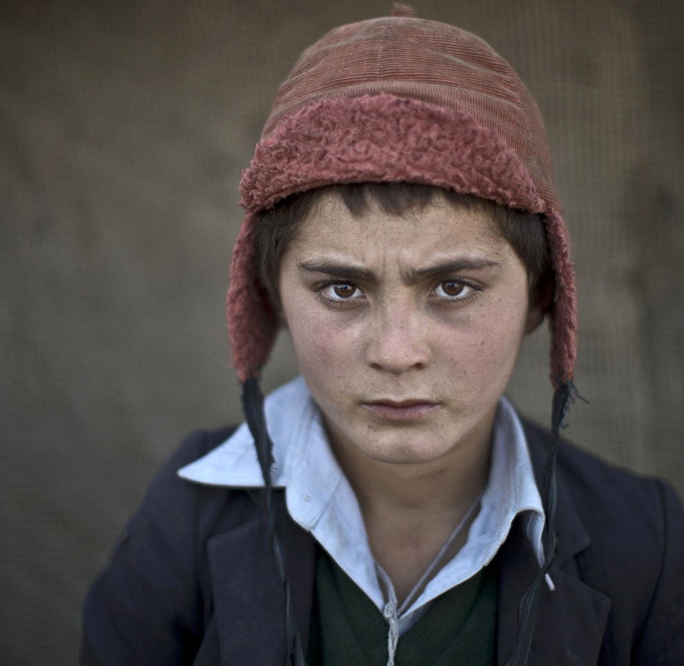 muhammed-muheisen-afghan-children-refugee-24
