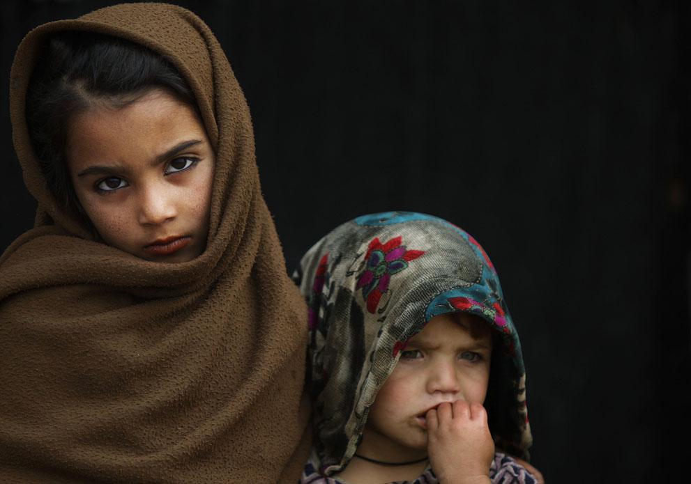 muhammed-muheisen-afghan-children-refugee-30