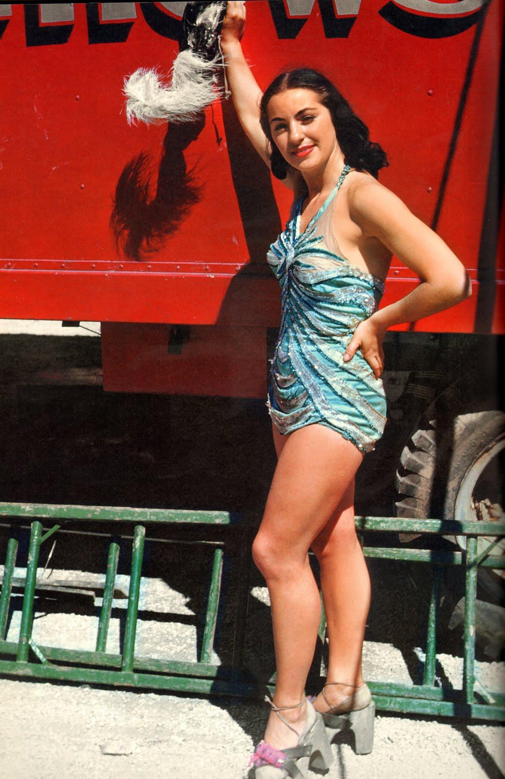 showgirl-aerial-ballet-1949