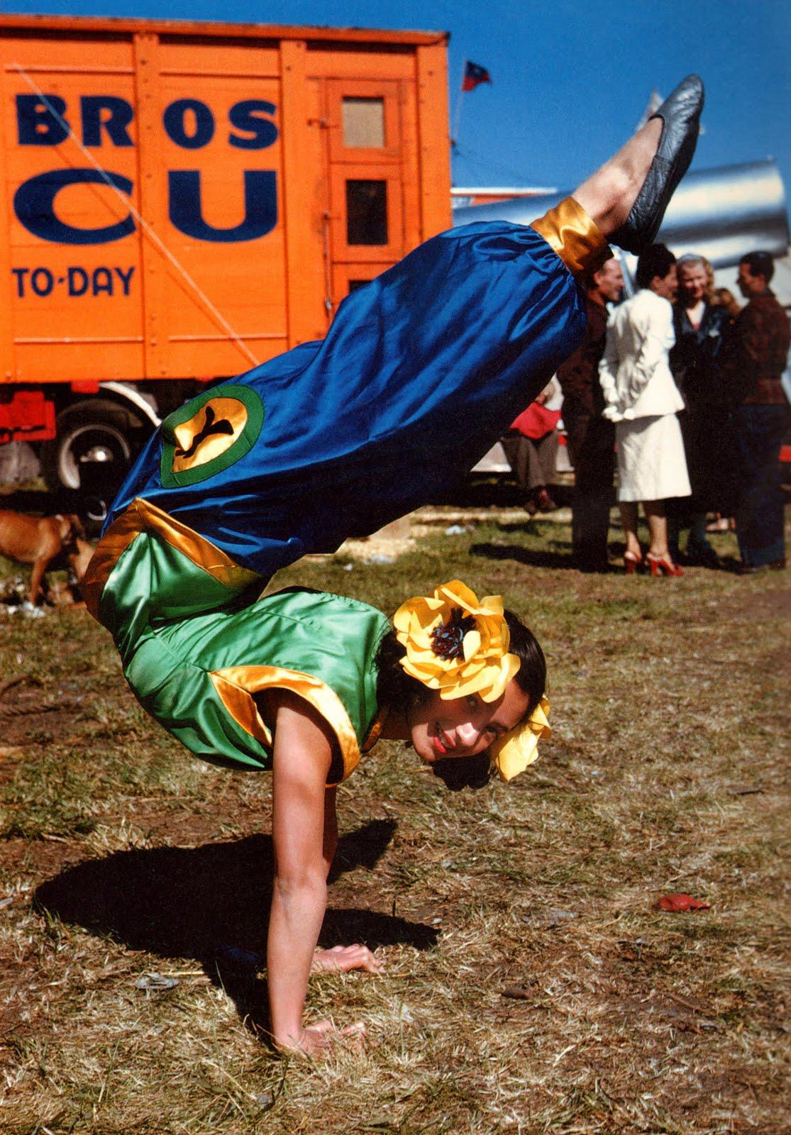 showgirl-circus-girl-1950s